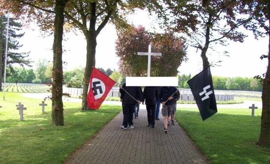 SS herdenking op de militaire begraafplaats Ysselsteyn, 2013