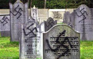 Paul Peters bekladde in april 2001 een Joodse begraafplaats