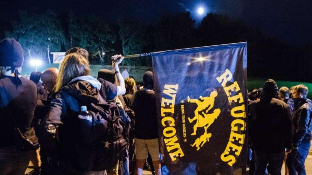 Antifa demonstreren in Heidenau