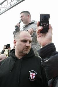 """Stephen Yaxley-Lennon (""""Tommy Robinson"""") geeft toepsraak op DDL demonstratie Amsterdam, 30 oktober 2010"""