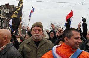 DSDA-voorman Henk Veenstra (midden) bij Pegida-demonstratie Amsterdam, 6 februari 2016